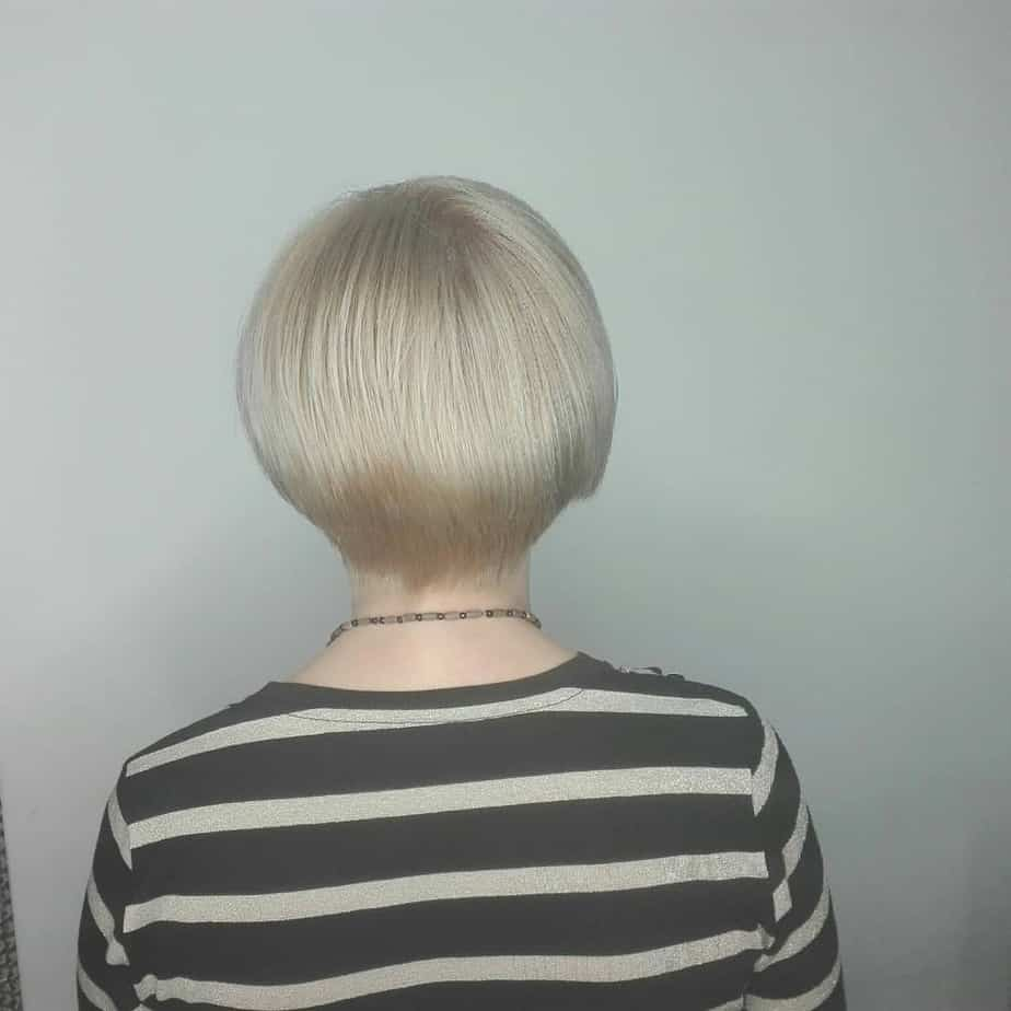 2019-short-hairstyles-for-women-over-50