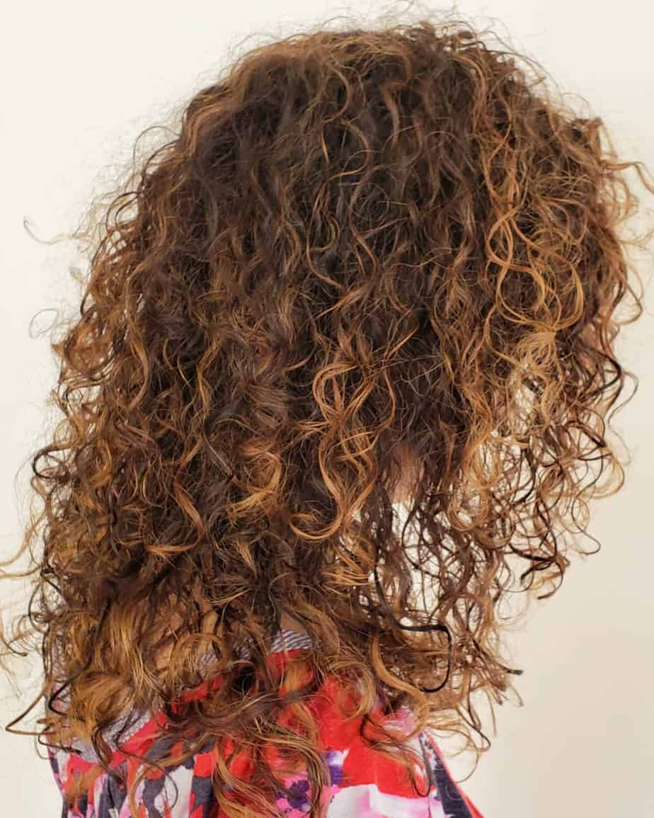 Medium curly hairstyles 2020 with balayage technique