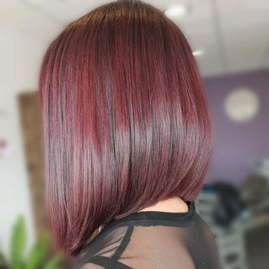 Bob-cascade with elongated front strands