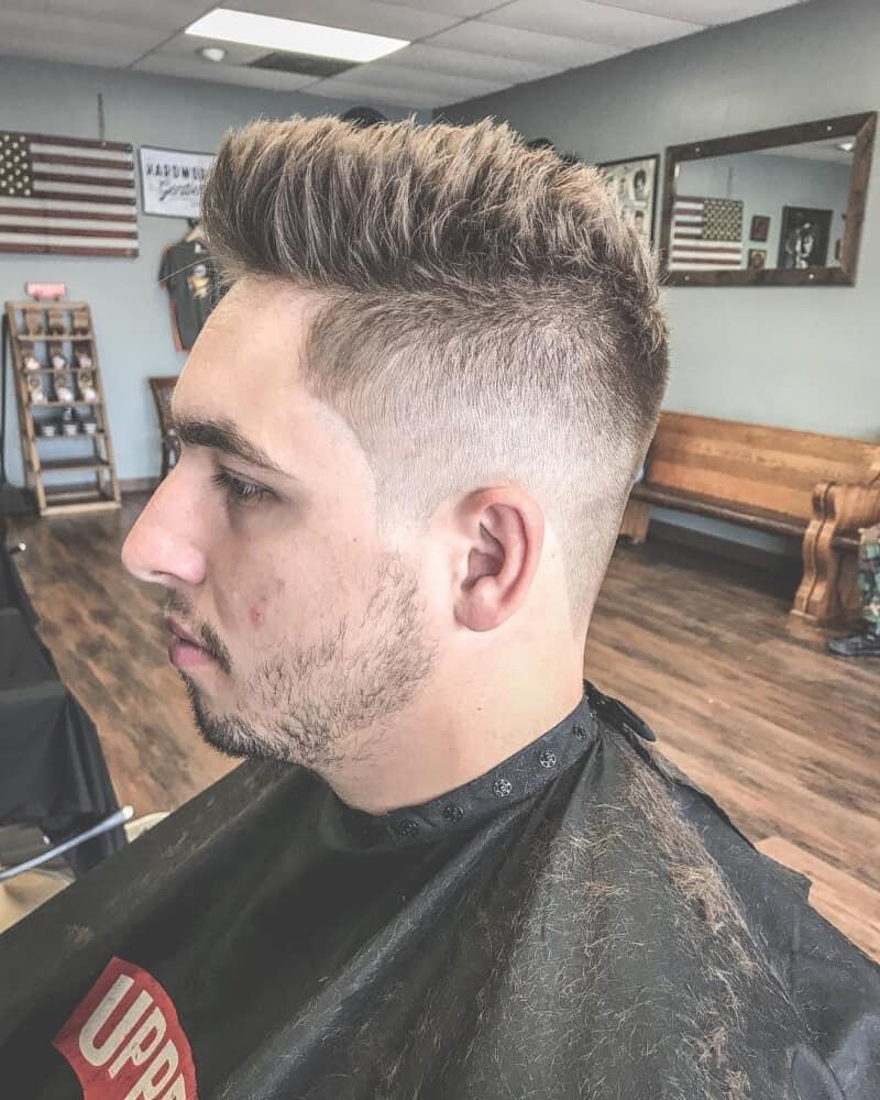 Canadian: men short hair 2020