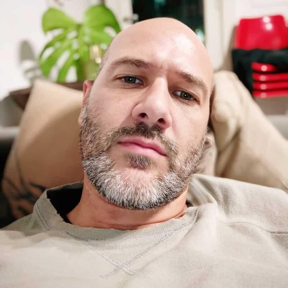 Bruce Willis short