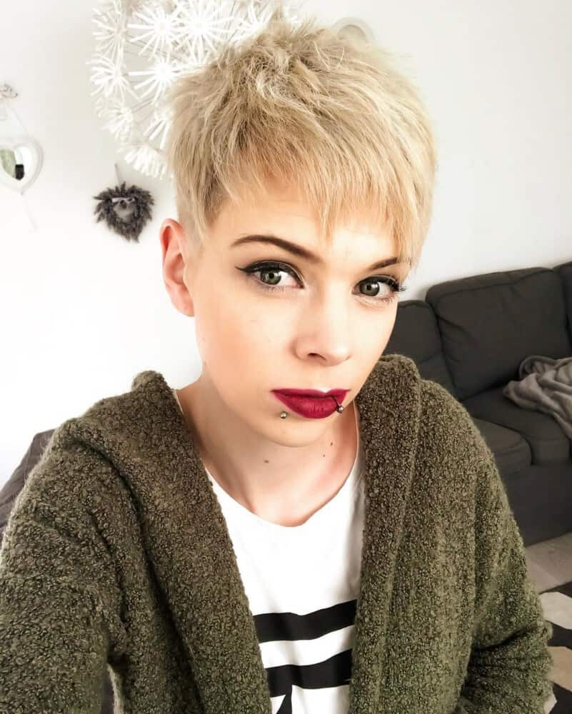 womens-short-haircuts-2020