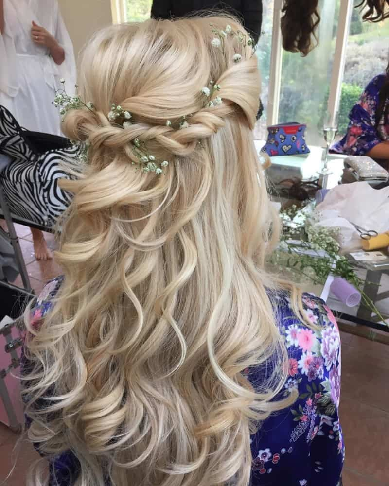 27 Gorgeous Wedding Hairstyles For Long Hair For 2020: Bridesmaid Hairstyles 2020: Inspiration, Tendencies, Tips